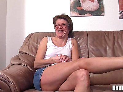 Mature german woman masturbating
