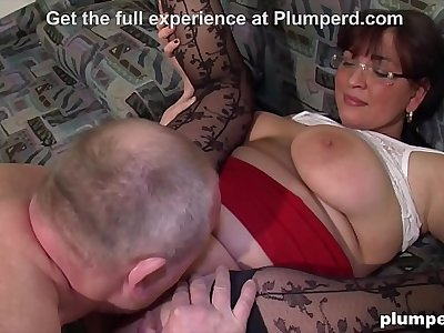 Two Busty Matures share one Cock in Threesome